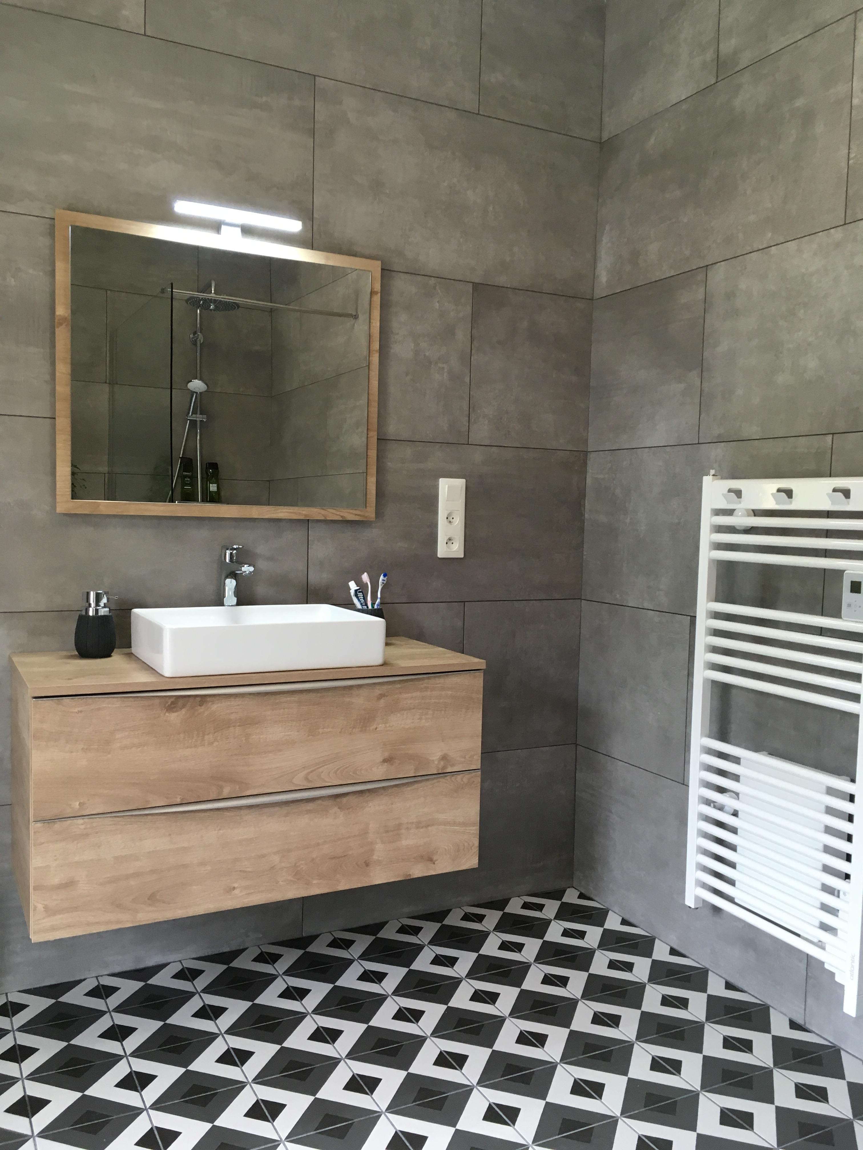 Pose de meubles de salles de bain et de sèche-serviettes